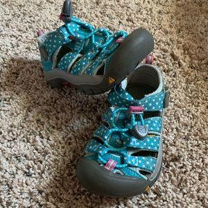 Keen sandals. GUC